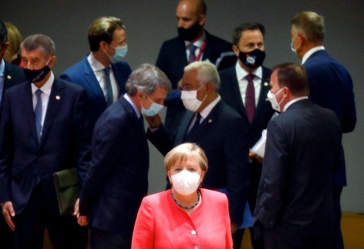 EU-Gipfel in Brüssel: Merkel trifft zu einem Rundtischgespräch ein
